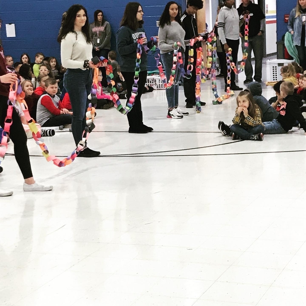 Students holding kindness chain.